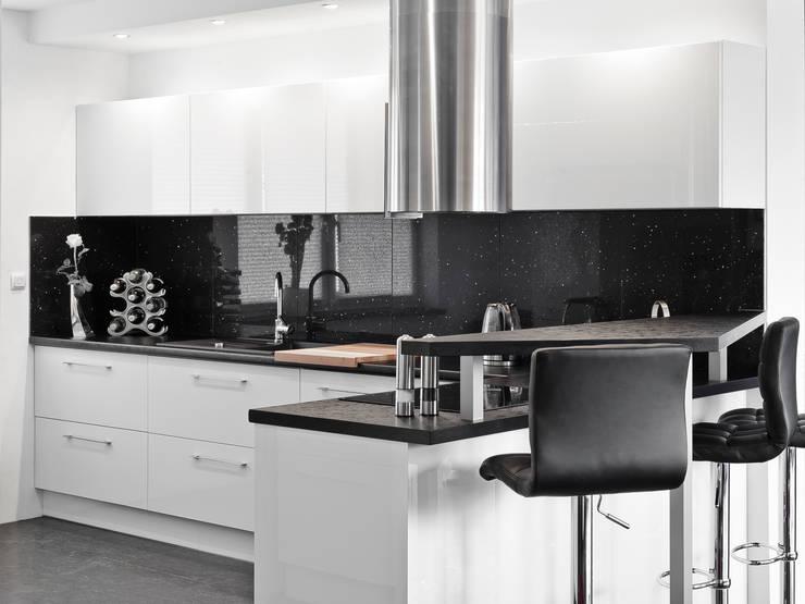 Nieruchomość prywatna – Brzeg : styl , w kategorii Kuchnia zaprojektowany przez Meble Ideal