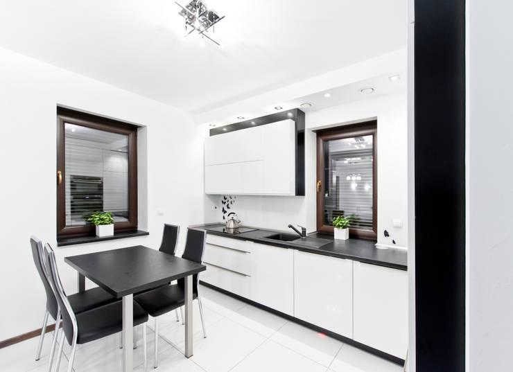 Realizacja – prywatna posesja IV: styl , w kategorii Kuchnia zaprojektowany przez Meble Ideal,