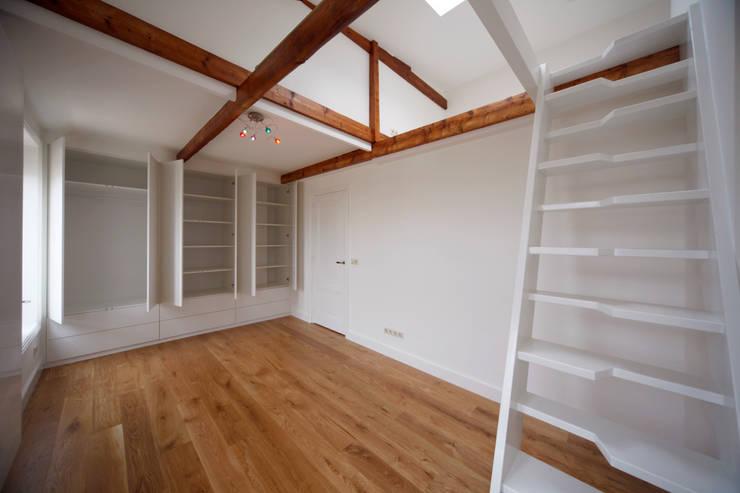 Dormitorios infantiles de estilo moderno de Studio evo Moderno