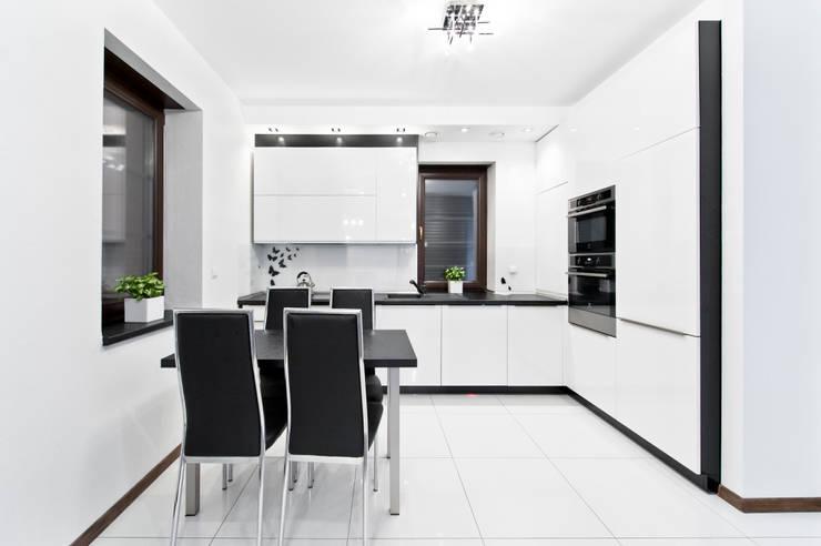 Realizacja - prywatna posesja IV: styl , w kategorii Kuchnia zaprojektowany przez Meble Ideal,