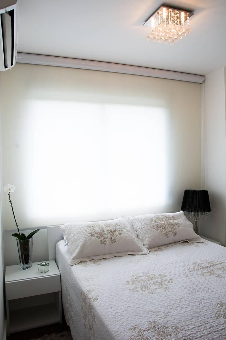 Bedroom by Bibiana Menegaz - Arquitetura de Atmosfera,