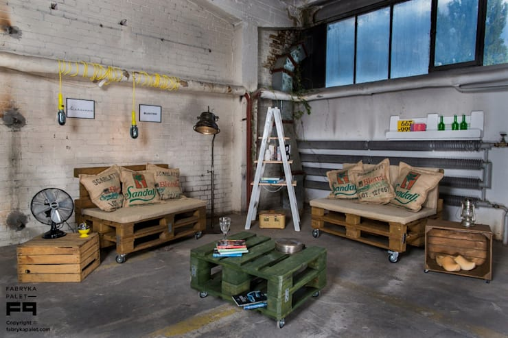 Zainspiruj się… LOFT: styl , w kategorii Salon zaprojektowany przez Fabryka Palet,Skandynawski
