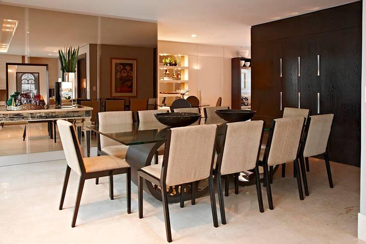 Cobertura IE: Salas de jantar  por Gláucia Britto,Moderno