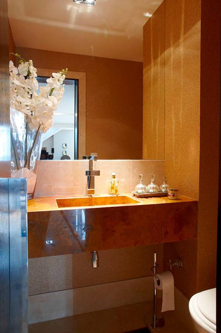 Cobertura IE: Banheiros  por Gláucia Britto,Moderno