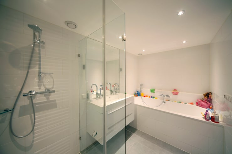 Baños de estilo  por Studio evo, Moderno