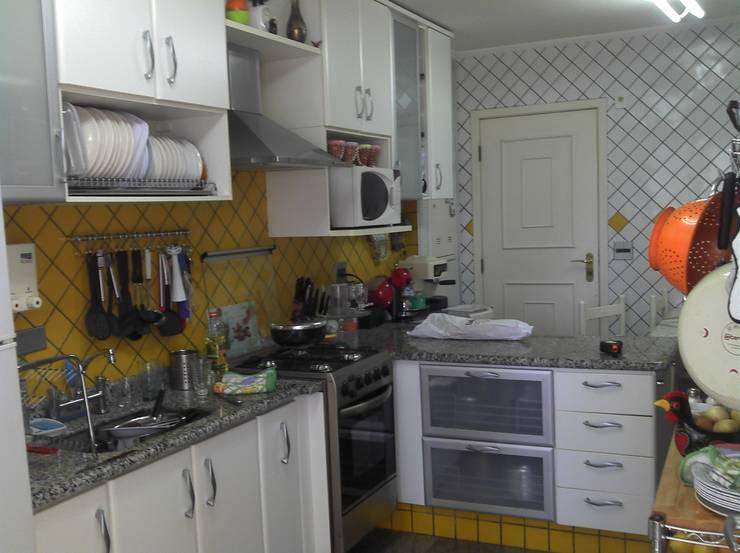 outra vista da cozinha antes :  de estilo  por 2d arquitetura decoração e design