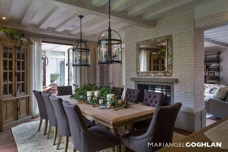 Comedores de estilo moderno por MARIANGEL COGHLAN