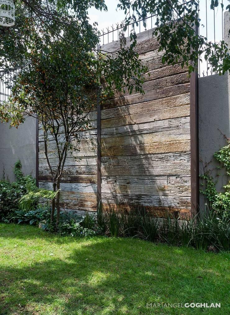Jardines de estilo  por MARIANGEL COGHLAN, Rústico