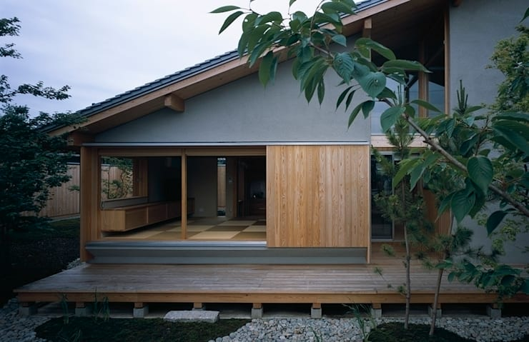 庭つくりの家: 神谷建築スタジオが手掛けた家です。