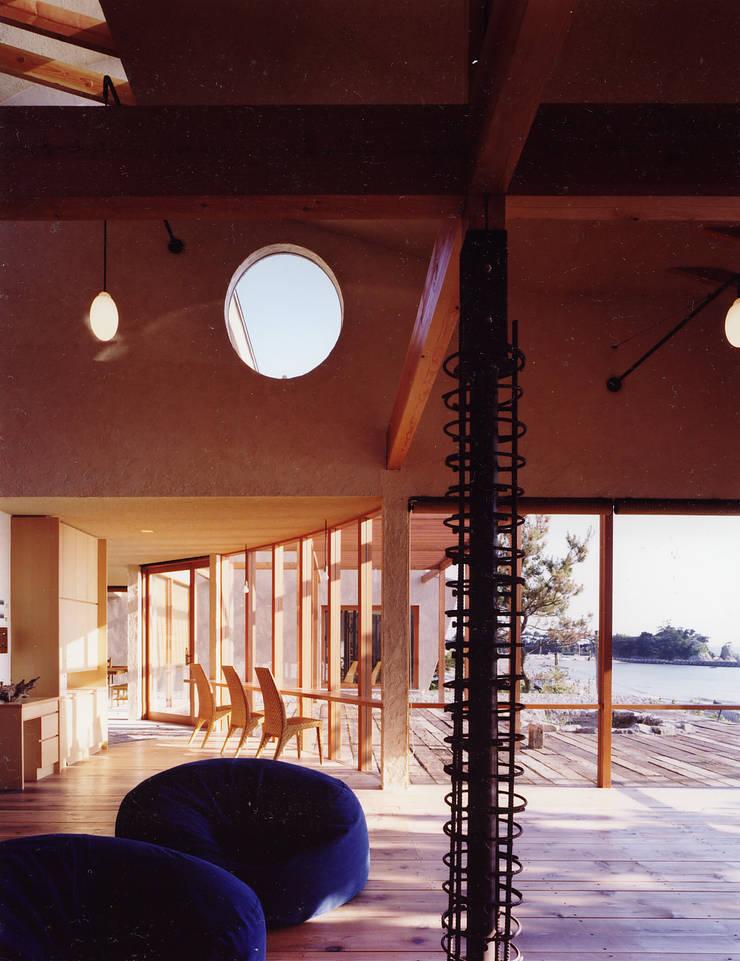 .: 杉原建築デザイン事務所が手掛けたリビングです。,モダン