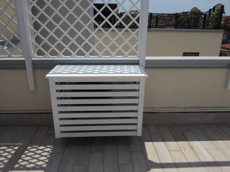 Elemento di arredo effetto finale : Balcone, Veranda & Terrazzo in stile  di RicreArt - Italmaxitetto