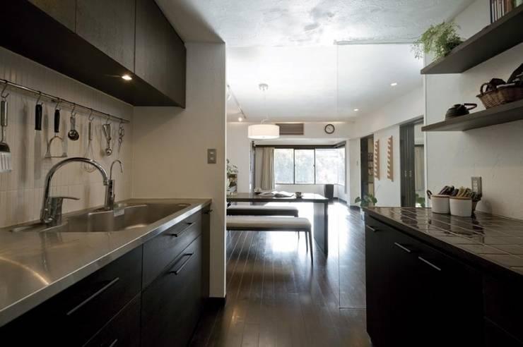 マンションリフォーム 千葉 (船橋 H HOUSE): Style is Still Living ,inc.が手掛けたキッチンです。
