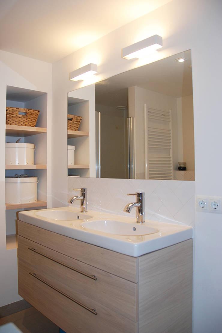 Badmeubel:  Badkamer door Puurbouwen, Klassiek