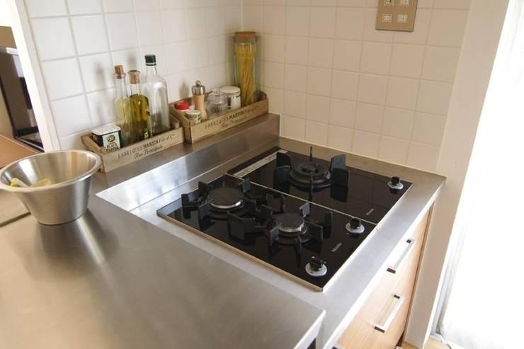 中古マンションのスケルトンリフォーム(東京 足立): Style is Still Living ,inc.が手掛けたキッチンです。