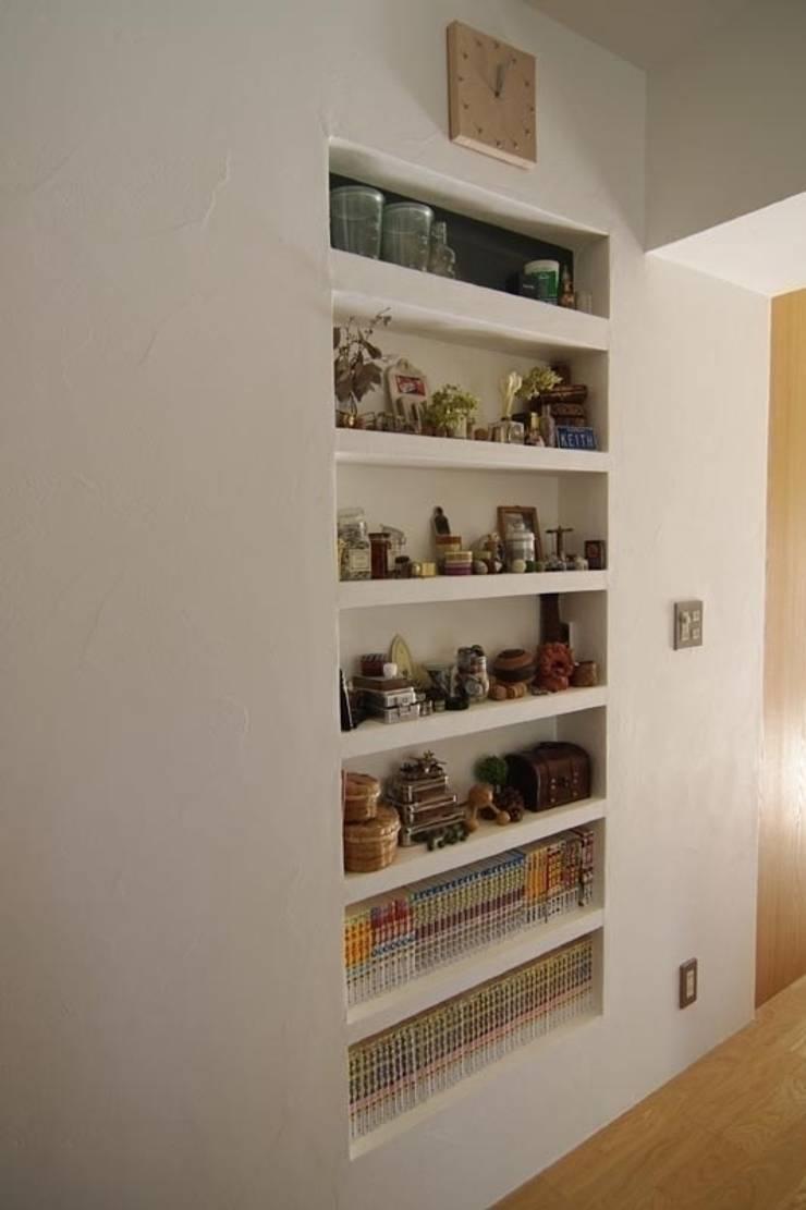 中古マンションのスケルトンリフォーム(東京 足立): Style is Still Living ,inc.が手掛けた玄関&廊下&階段です。