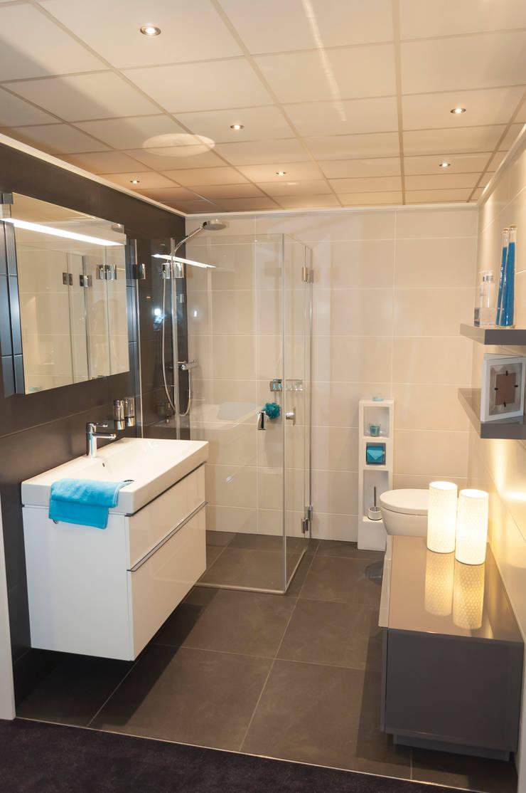 AM Badkamers – showroom:  Badkamer door AM Badkamers