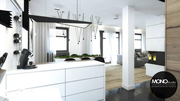 Moderne Küchen von MONOstudio Modern