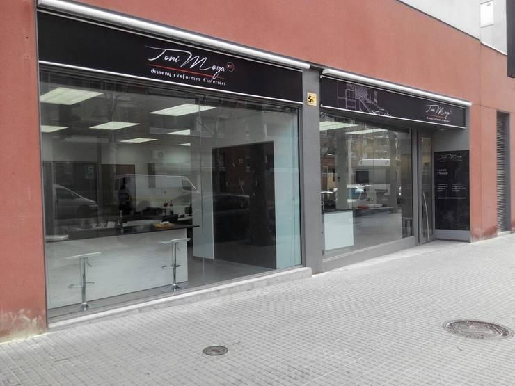 Nuestra tienda: Oficinas y Tiendas de estilo  de Toni Moya Disseny i reformes d´interios