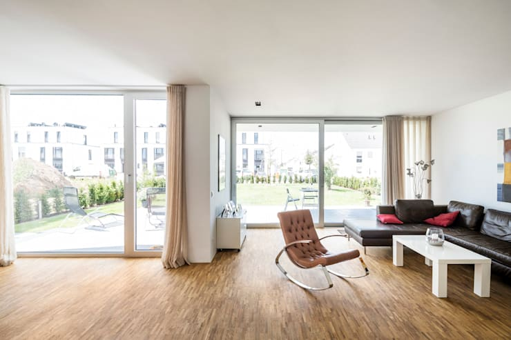 Salon de style de style Moderne par Corneille Uedingslohmann Architekten