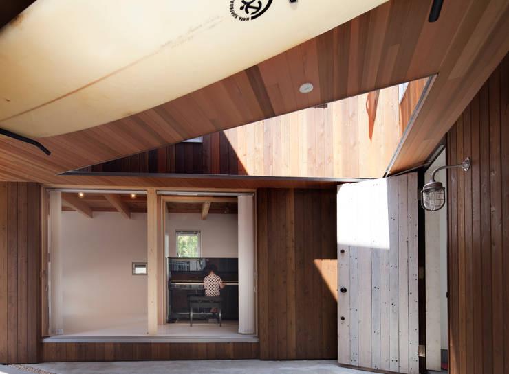 Delta house: 水野建築事務所が手掛けた庭です。,モダン