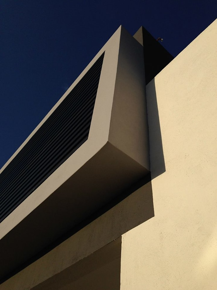 Fachada Principal: Casas de estilo  por disain arquitectos