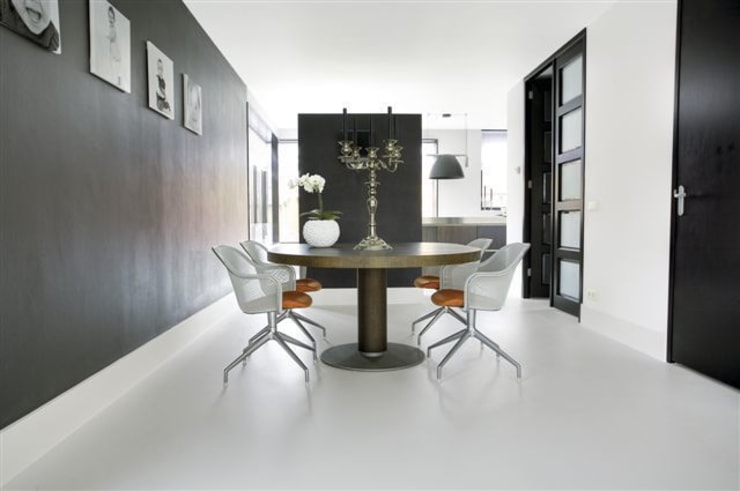 Ruang Makan by Motion Gietvloeren