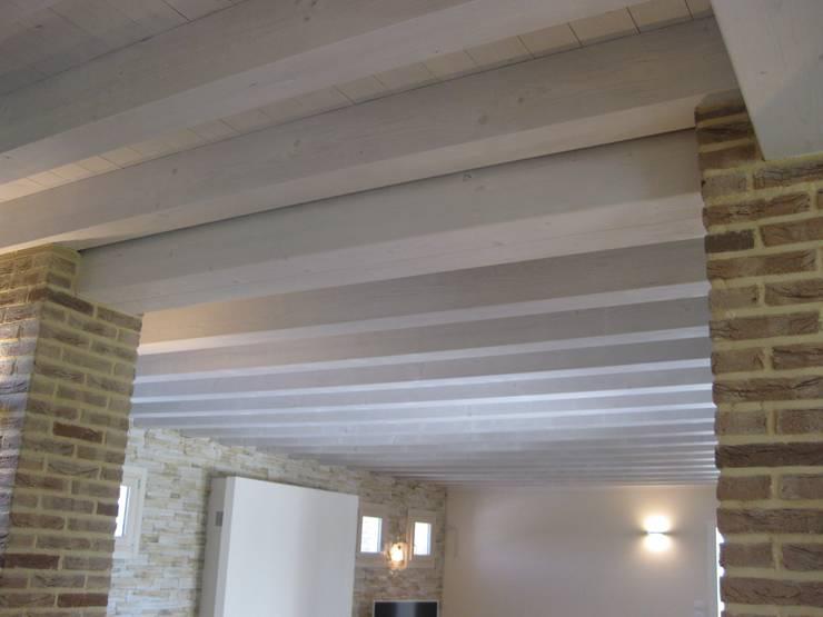 Solai in legno con illuminazione a led di veneta tetti homify