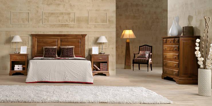 DORMITORIO DE ESTILO CLÁSICO MODELO ÁMBAR: Dormitorios de estilo  de Aguirre Artesanos