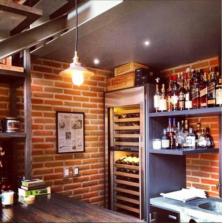 Bar: Cocinas de estilo  por Quinto Distrito Arquitectura