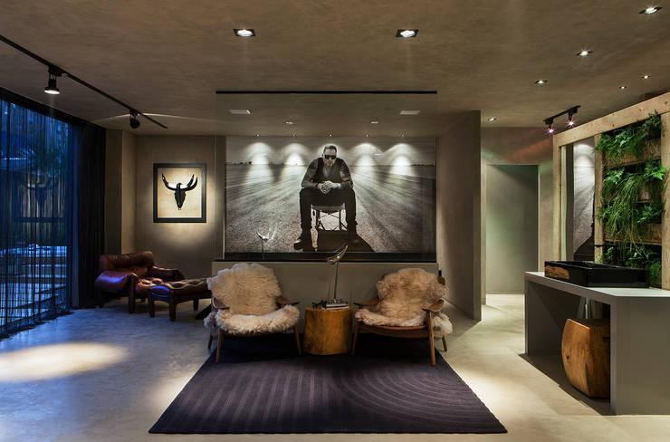 Living room by Gabriela Pereira,