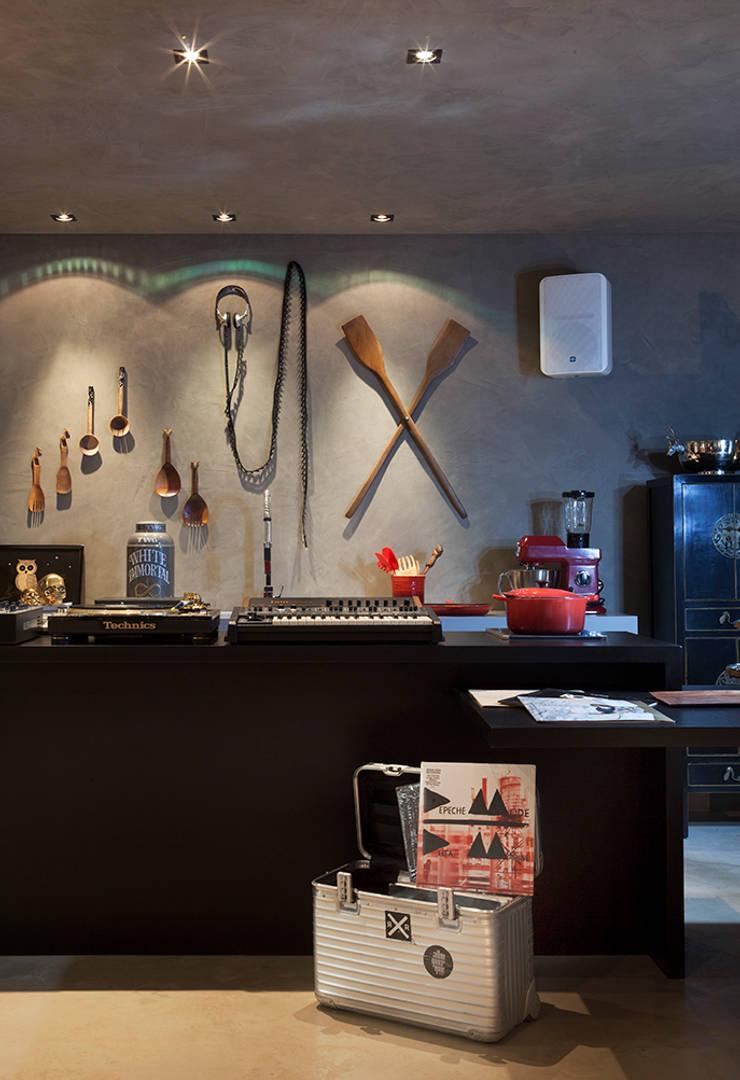 Кухни в . Автор – Gabriela Pereira, Эклектичный