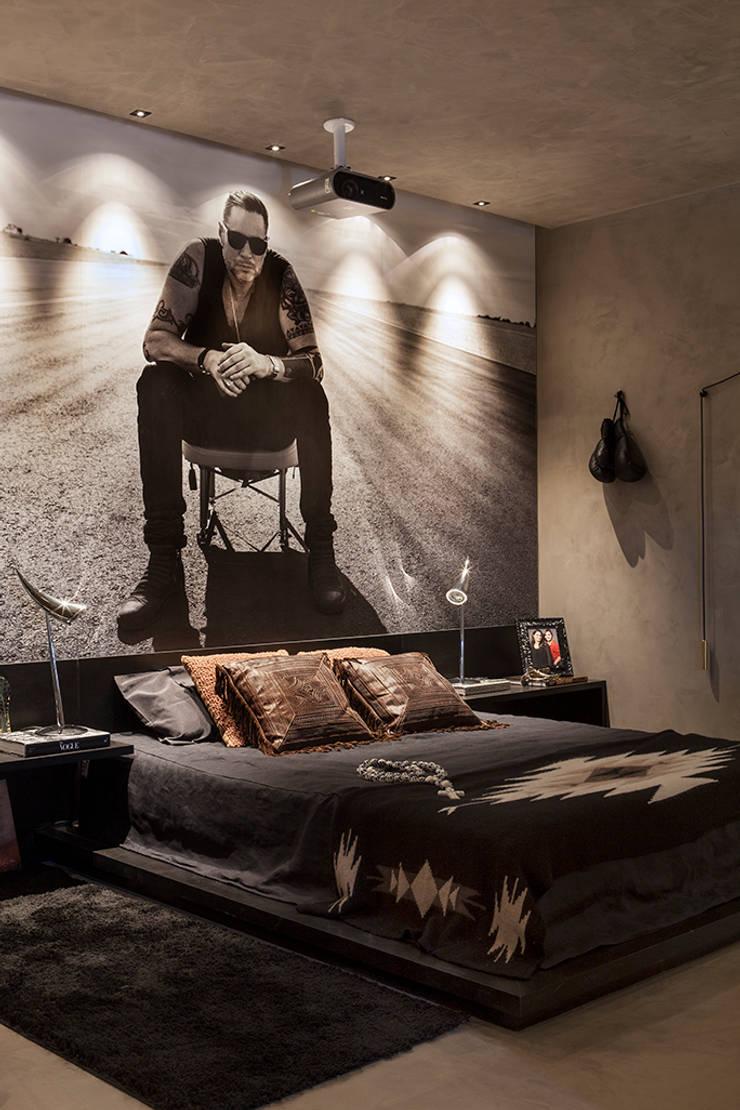 Bedroom by Gabriela Pereira,