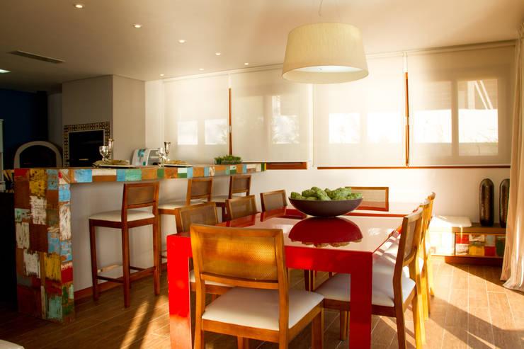 Casa de praia: Salas de jantar rústicas por Espaço do Traço arquitetura