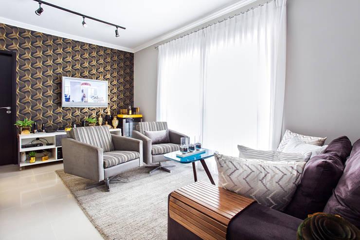 Living  moderno: Salas de estar  por Lo. interiores