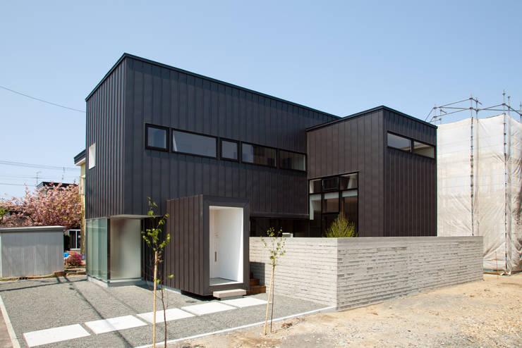 ファサード: 一級建築士事務所 Atelier Casaが手掛けた家です。