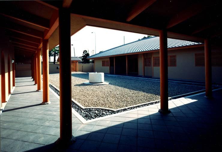 回廊: 松井建築研究所が手掛けた家です。