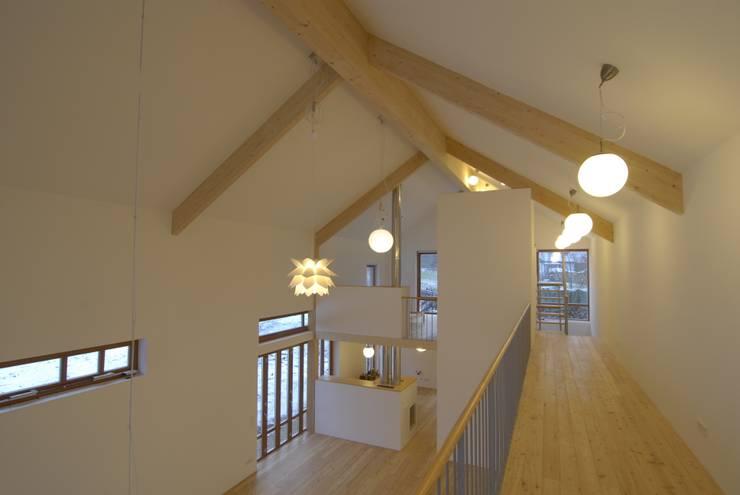 Atelierhaus Hirschbach:  Arbeitszimmer von Karl Architekten