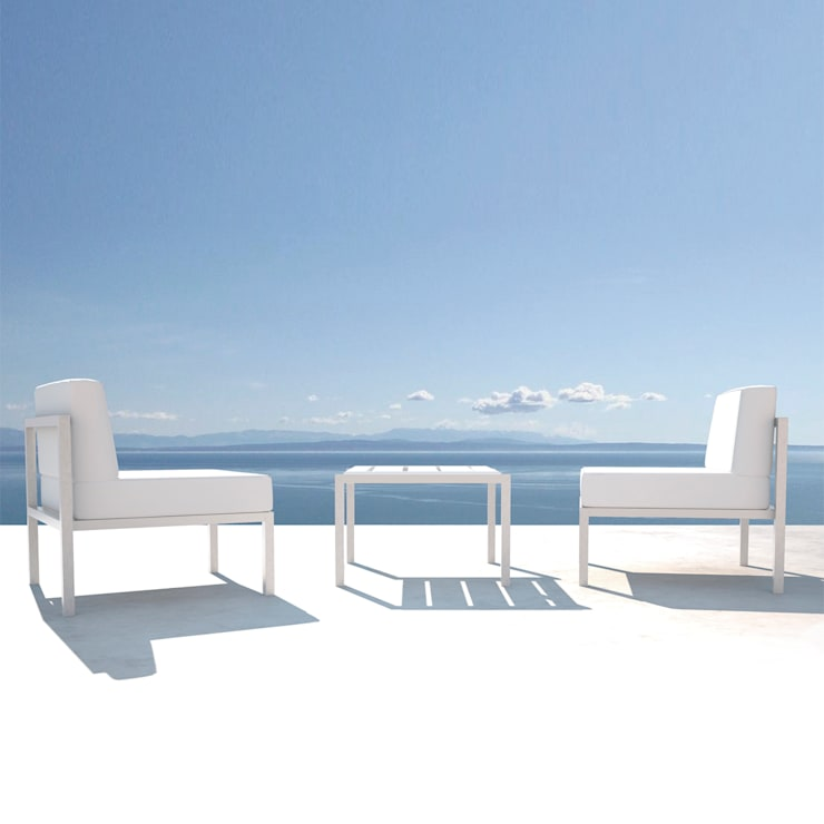 RIO COLLECTION: Balcones y terrazas de estilo  de AXTHOR OUTDOOR FURNITURE