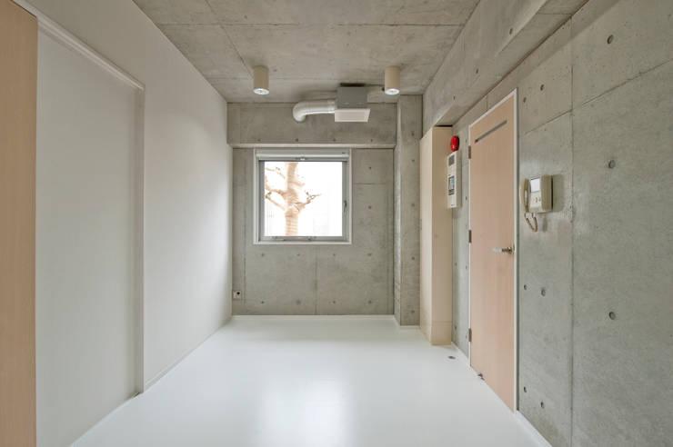 F House and Studio: 有限会社クリエデザイン/CRÉER DESIGN Ltd.が手掛けたオフィススペース&店です。