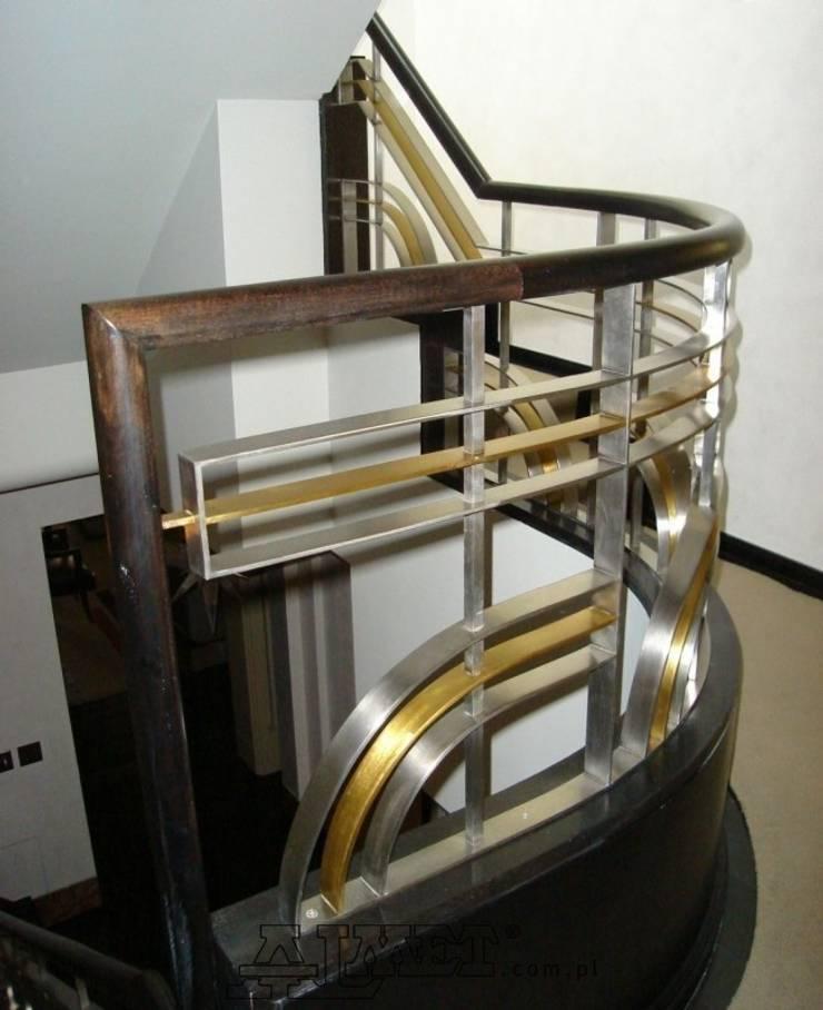 Balustrada – wzór B235: styl , w kategorii  zaprojektowany przez ALMET Kowalstwo Artystyczne,Klasyczny