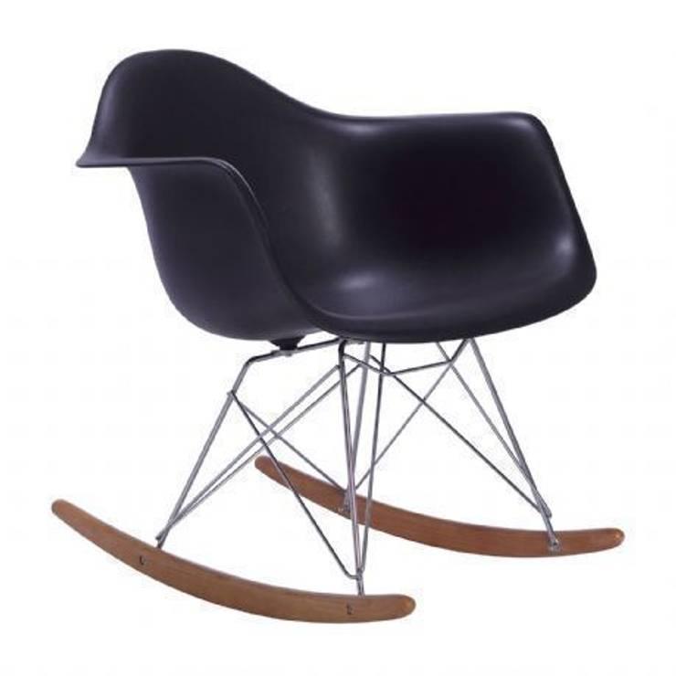 Silla Balancín TOWER ARMS -Color Edition-. Inspiración RAR Rocking Chair de Charles & Ray Eames: Comedor de estilo  de SuperStudio Online