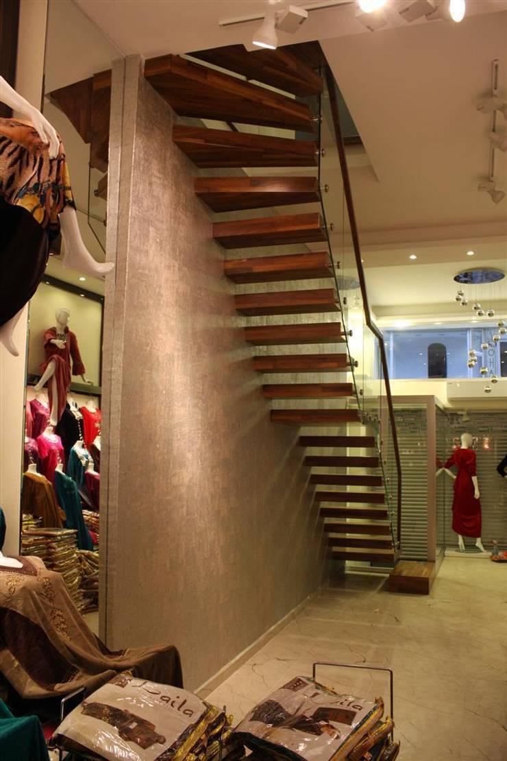 Visal Merdiven – Altan Tekstil Laleli - İstanbul: modern tarz Koridor, Hol & Merdivenler