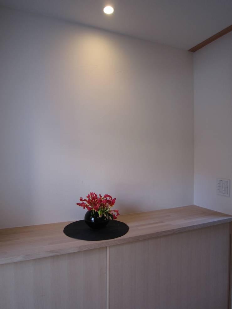 M-House: 有限会社クリエデザイン/CRÉER DESIGN Ltd.が手掛けた玄関&廊下&階段です。
