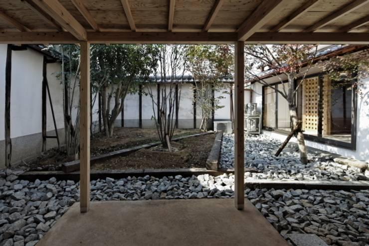 Garden  by NEO GEO