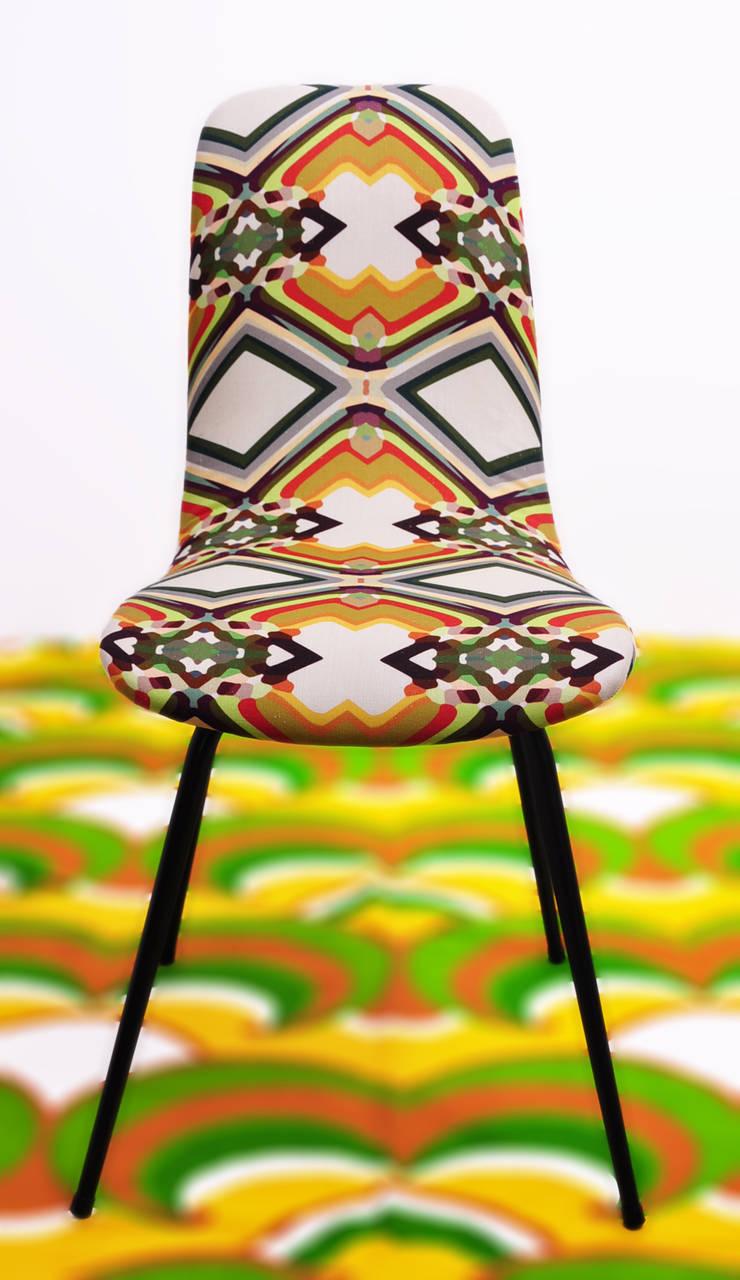 krzesło z prl-u marthe: styl , w kategorii Salon zaprojektowany przez Pracownia Reborn