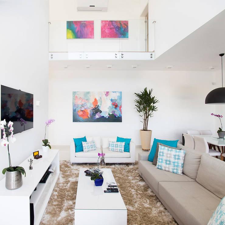 Living room by SAA_SHIEH ARQUITETOS ASSOCIADOS