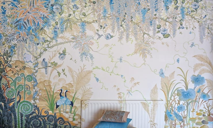 Wisteria Wonderland: country Bedroom by Diane Marsland Art, Design & Interiors