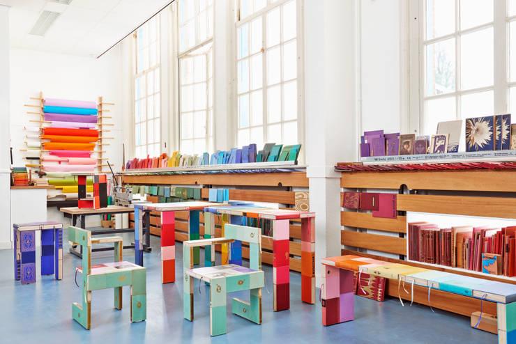 Studio BOOKED by Jacqueline le Bleu:  Studeerkamer/kantoor door BOOKED  by Jacqueline le Bleu