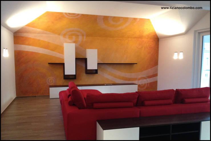 Paredes y pisos de estilo moderno por tiziano colombo