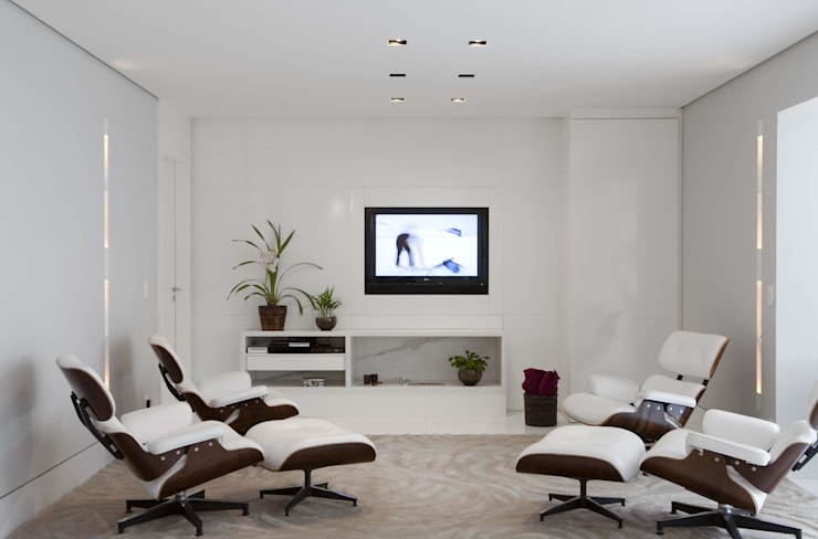 modern Media room by Cristina Menezes Arquitetura